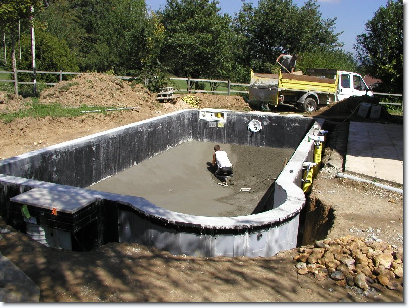 Montage construction piscine magiline piscines construction technique m - Piscine magiline prix ...